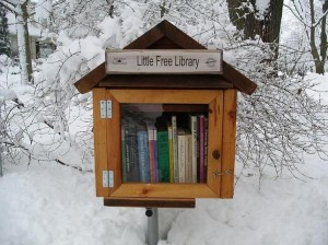 Picture of a little free library in the snow